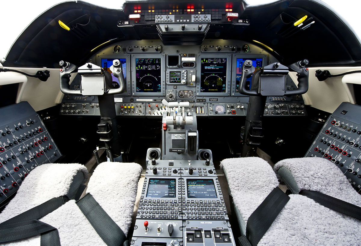 Learjet 60-XR Cockpit