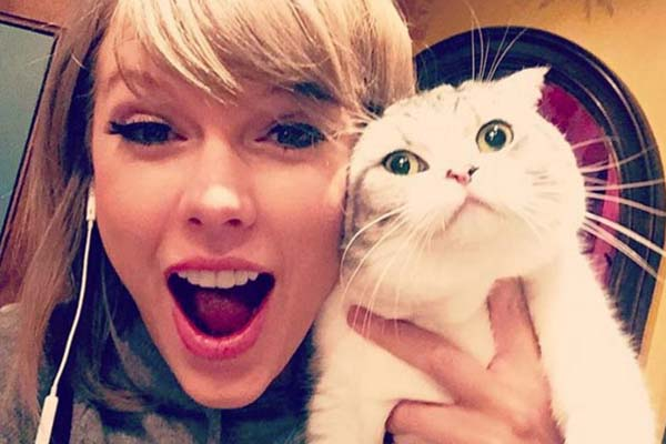 Taylor Swift - National Pet Day