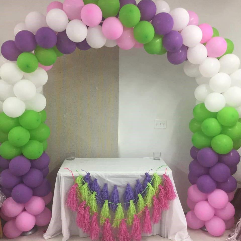 helium balloon arch display