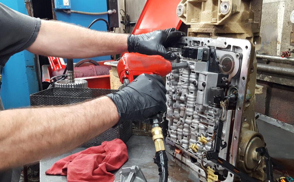 Fenton_Holly_Transmission_Repair_work_bench
