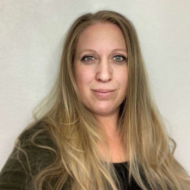 Image of Jennifer Dean front office manager Kirkland Chamber of Commerce