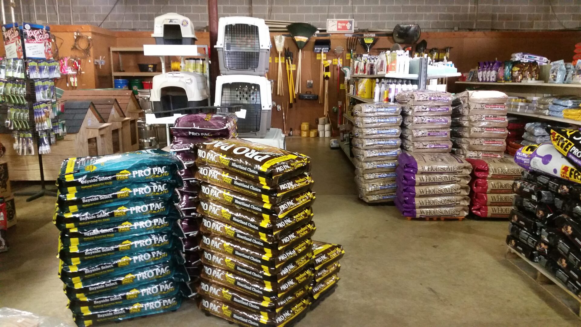 standard-feed-and-seed-dog-food-and-supplies