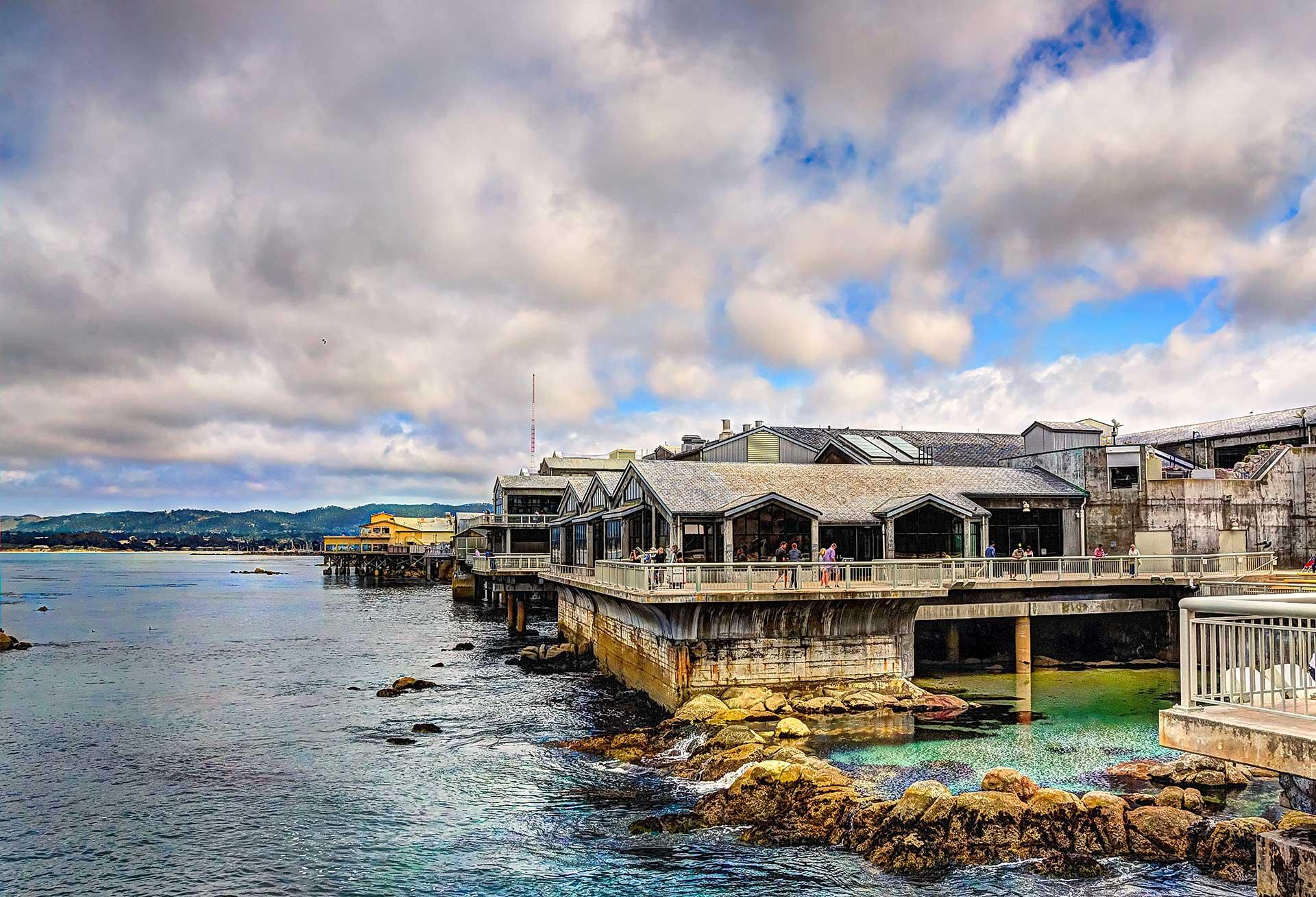 Attractions - Monterey Bay Aquarium