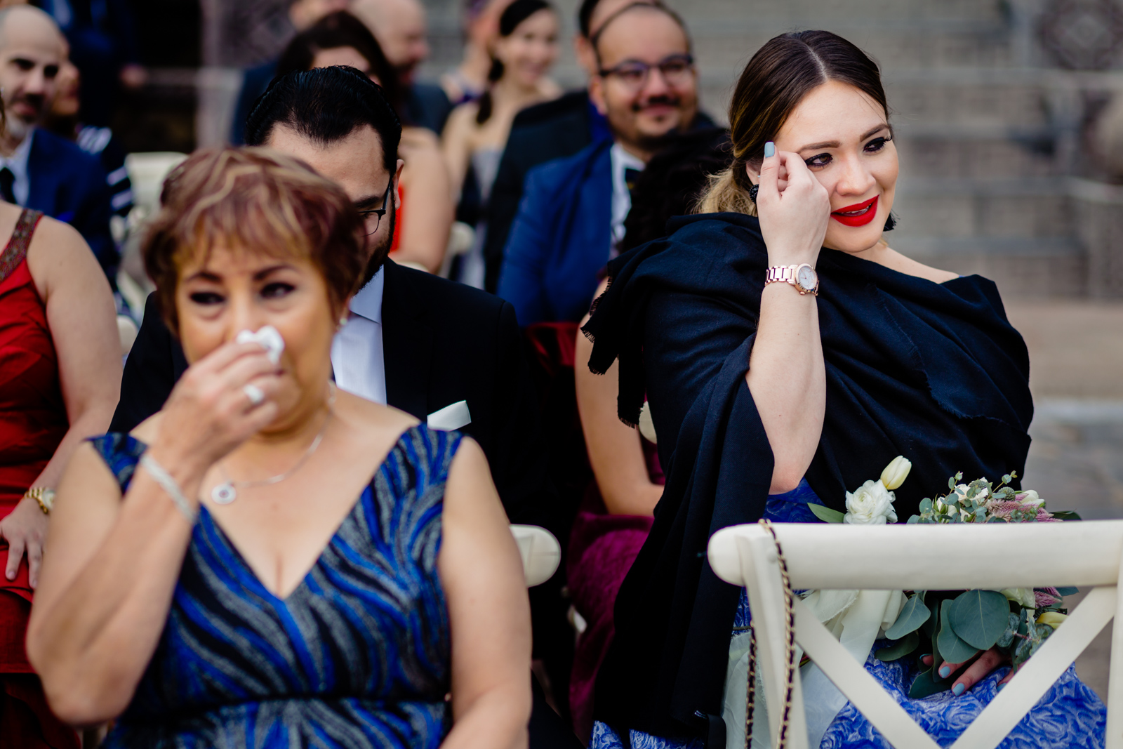 guest crying during the ceremony during the vals of the couple