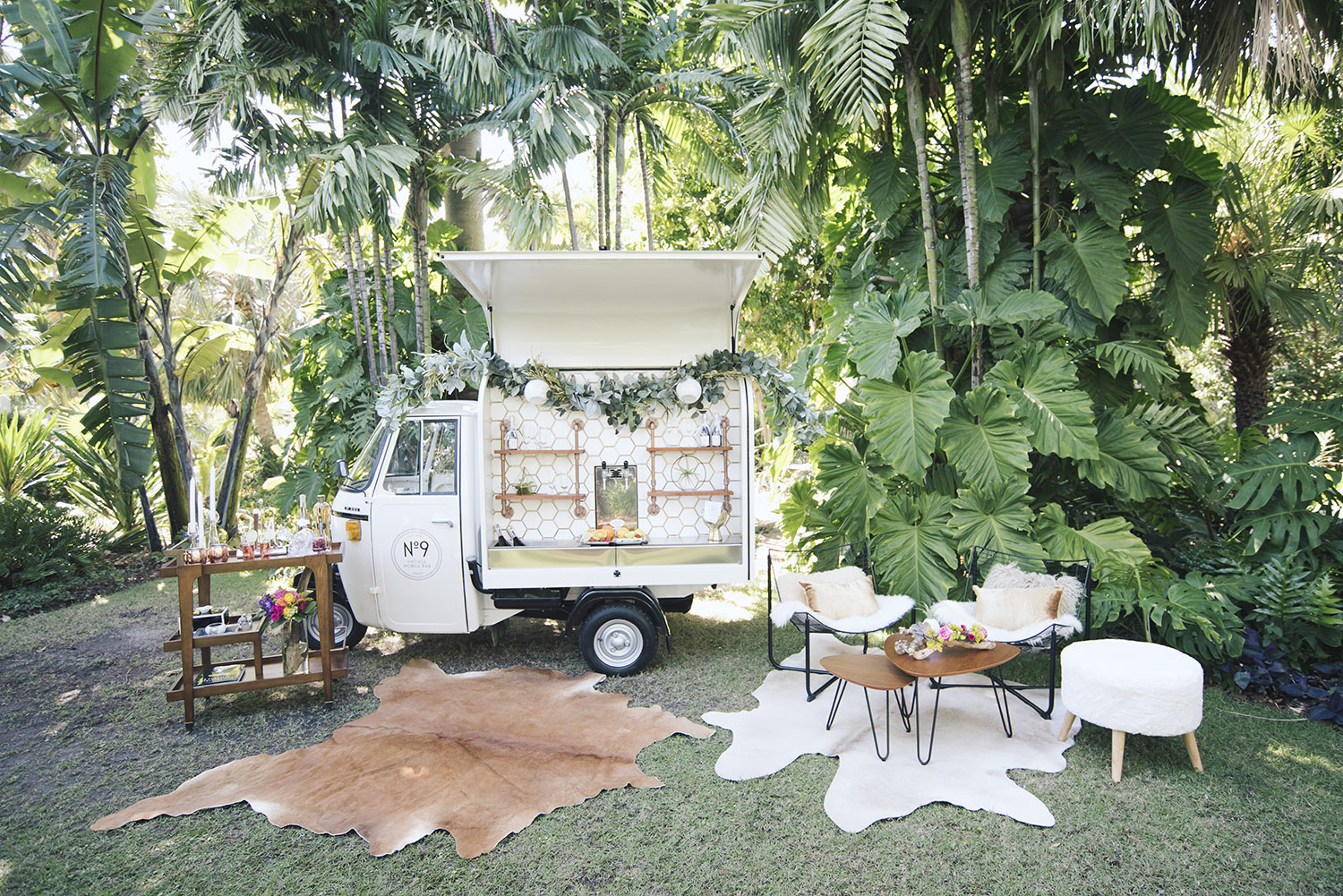 Charming Vintage Mobile Bar & Photo Booth