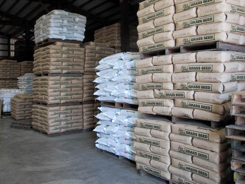 Rustmaster and Annual ryegrass at Schrock warehouse