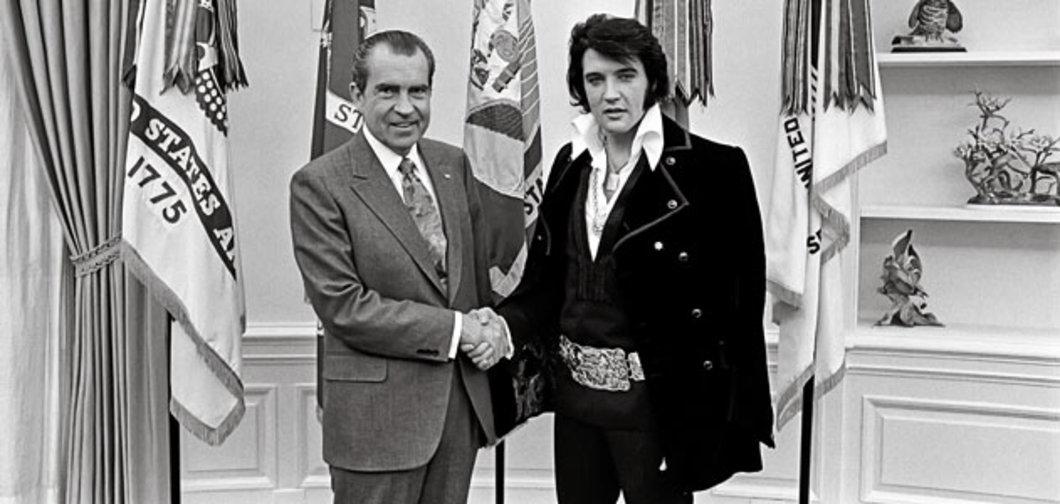 Nixon gives Elvis honorary DEA badge.