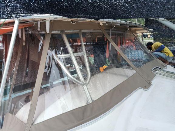 Catamaran front windscreen thumbnail