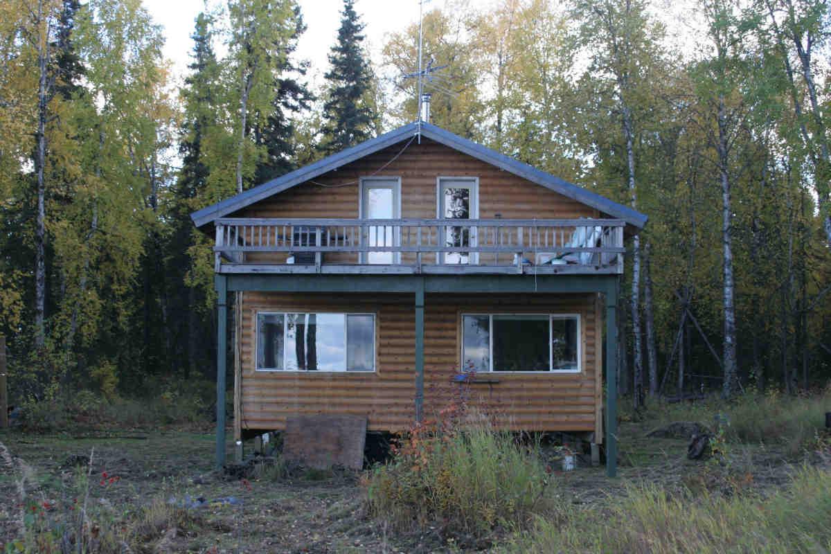 The lodge (angle 2)