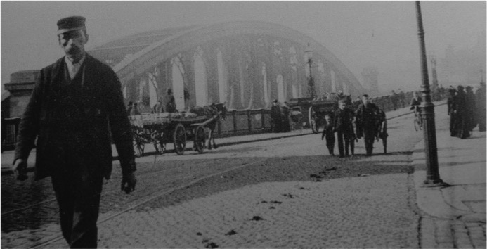 Wearmouth Bridge, 1910
