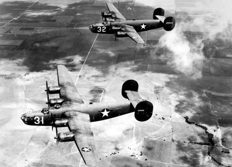 B-24-Bombers over Naples, 1942