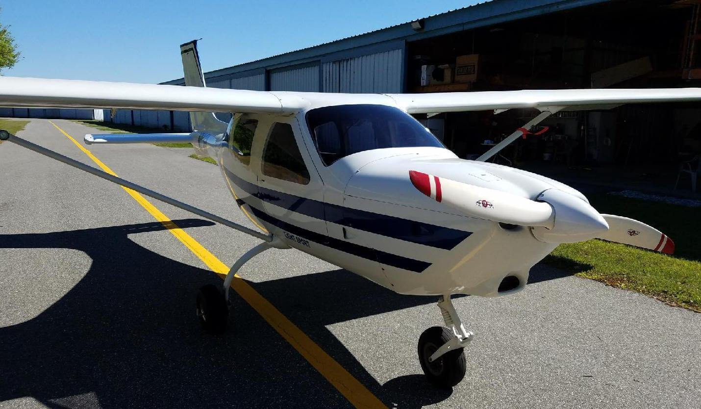 J250-SP Special Light Sport Airplane N236X Front Right Crop