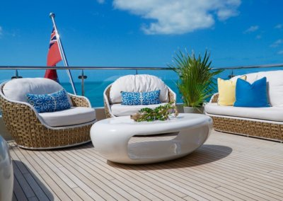 Extended Stern Deck Seating