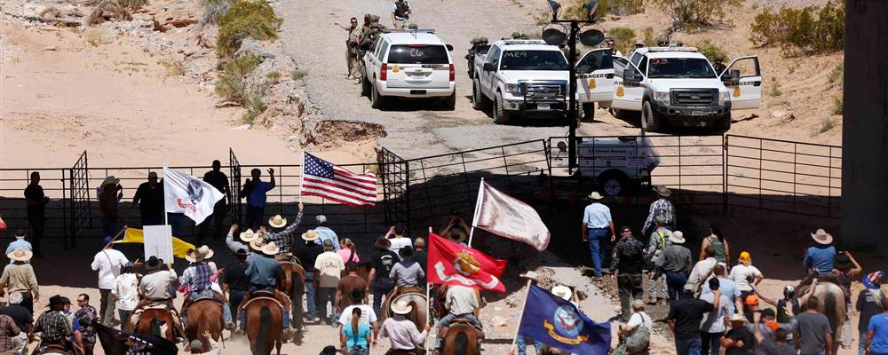 140413-nevada-cattle-protest-3p_098ee60f1b009e4d2ef2c284c6e2cc3d-nbcnews-fp-1000-400