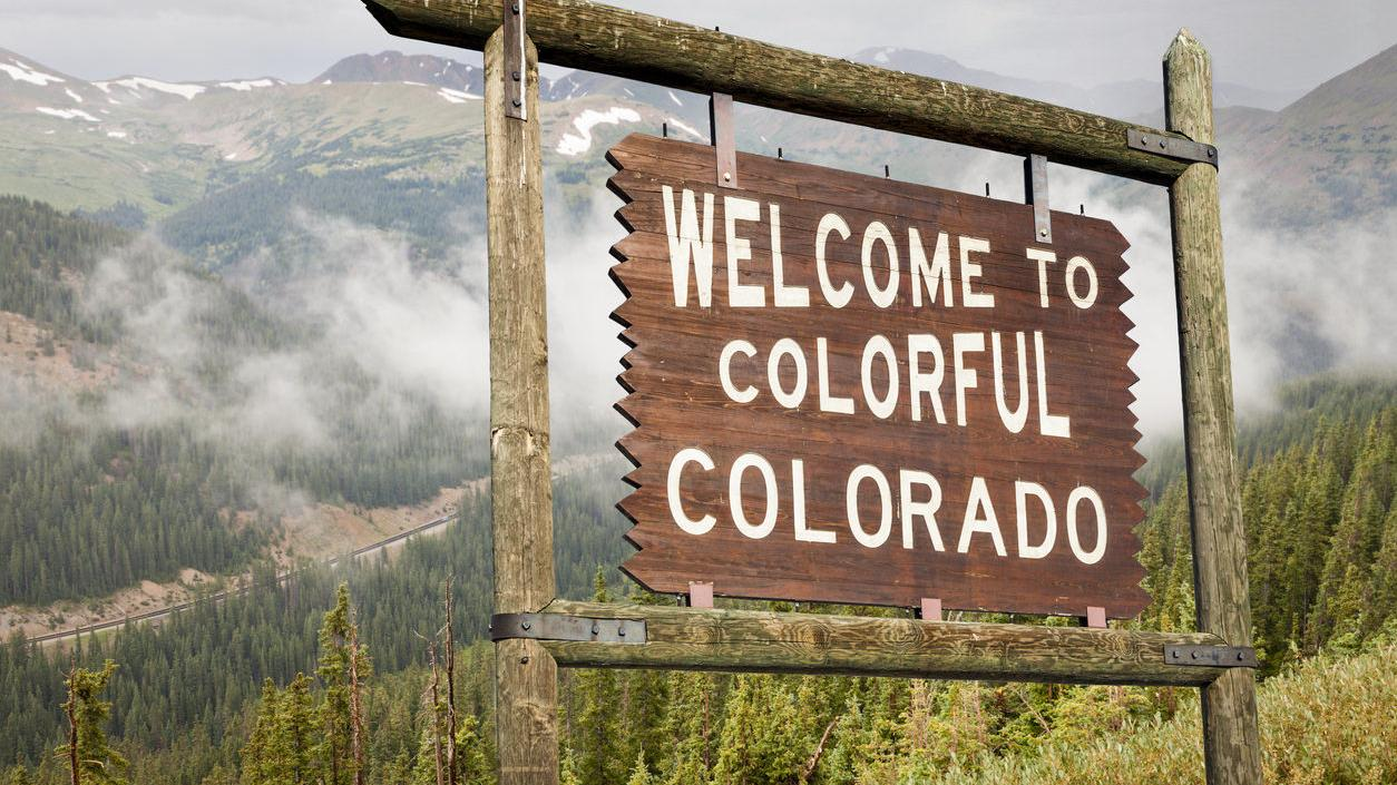 Welcome to Colorado signboard