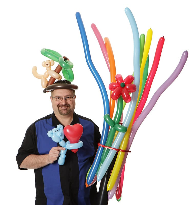 Let the magician rick reed to make your children's Parties unforgettable through magic, we offer different entertainment packages to for you