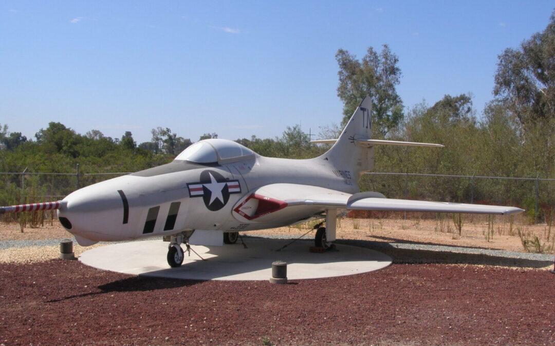 GRUMMAN F9F-8P (RF-9J) COUGAR