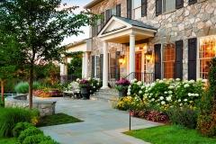 Beautiful Front yard Home