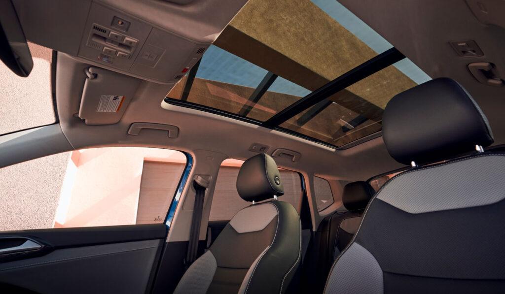 22-taos-interior-sunroof
