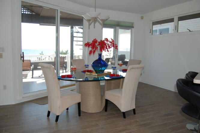 staging dining room w patio after
