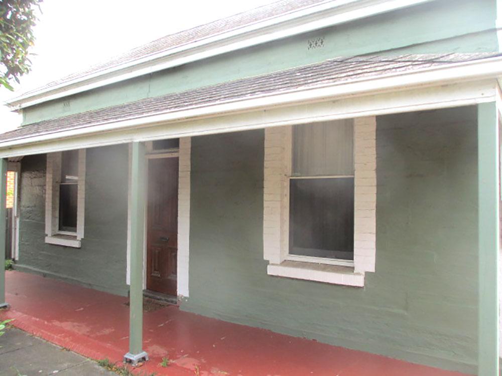 Villa-bluestone-front-before