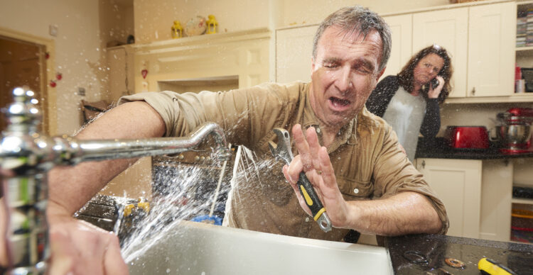 How to Handle a Broken Water Pipe