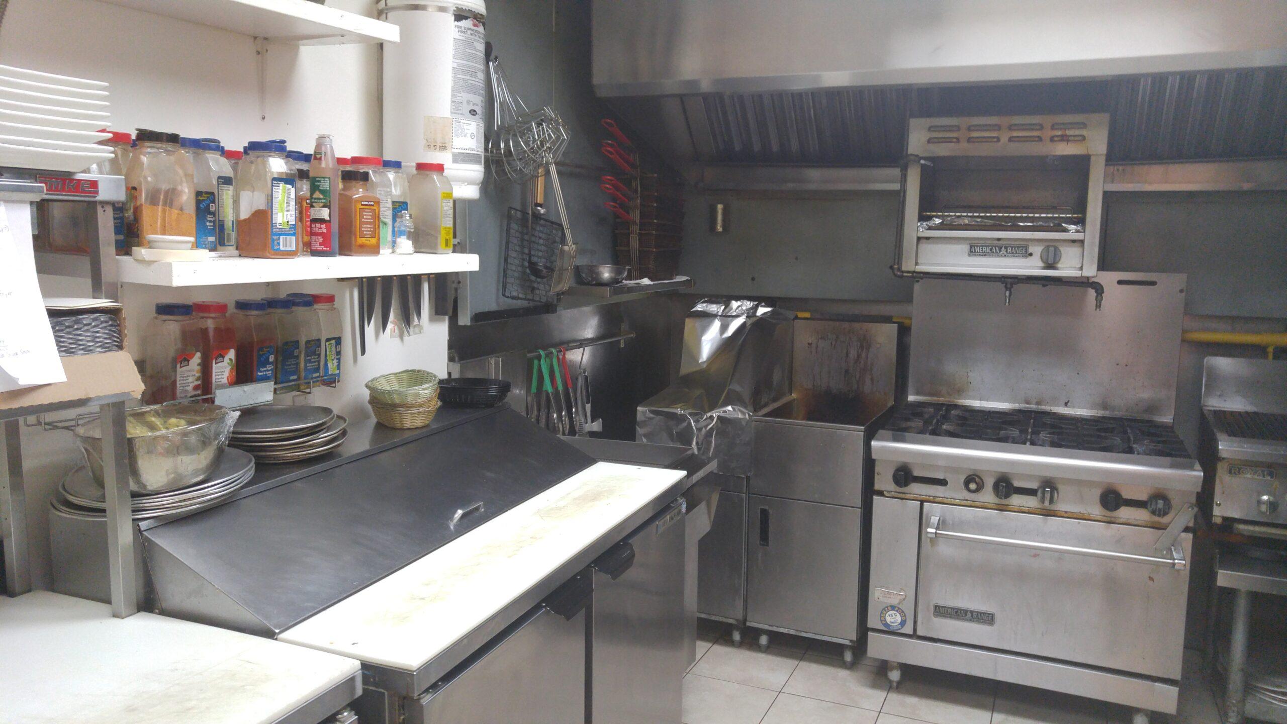Salamanders-Kitchen