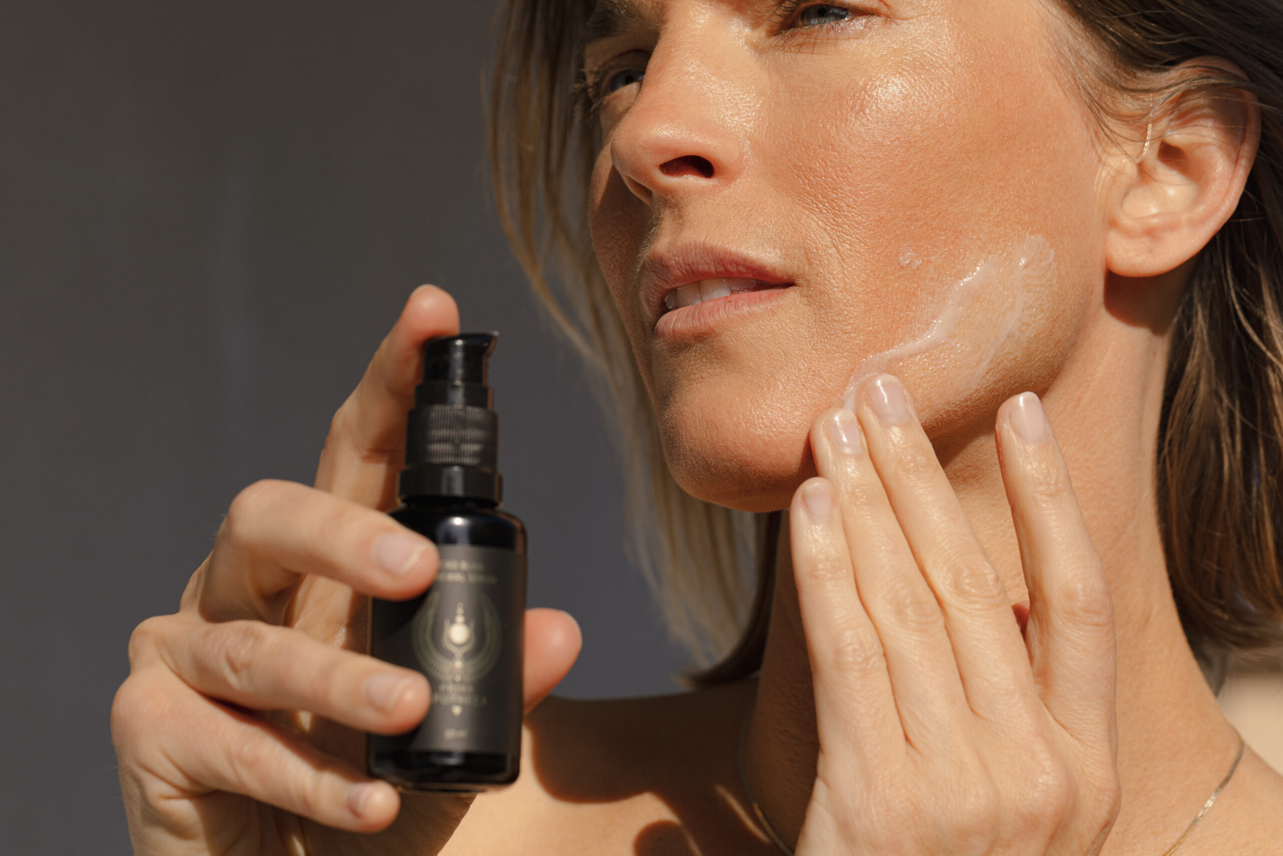Treating Hormonal Acne Naturally related article image