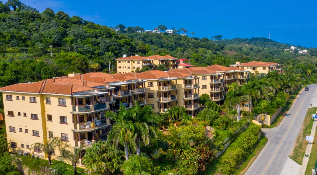 Homes and Condos in Roatan