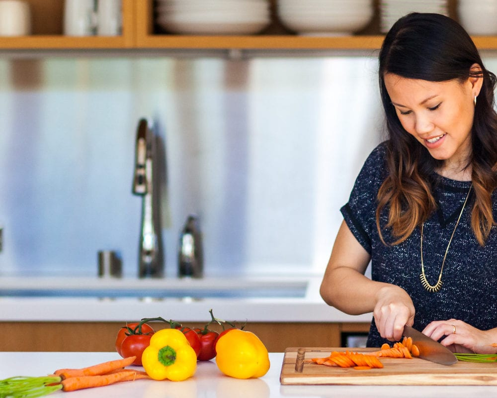 Landing-Page-Cooking-Guides-Jess-Kitchen-Chopping-1000×800