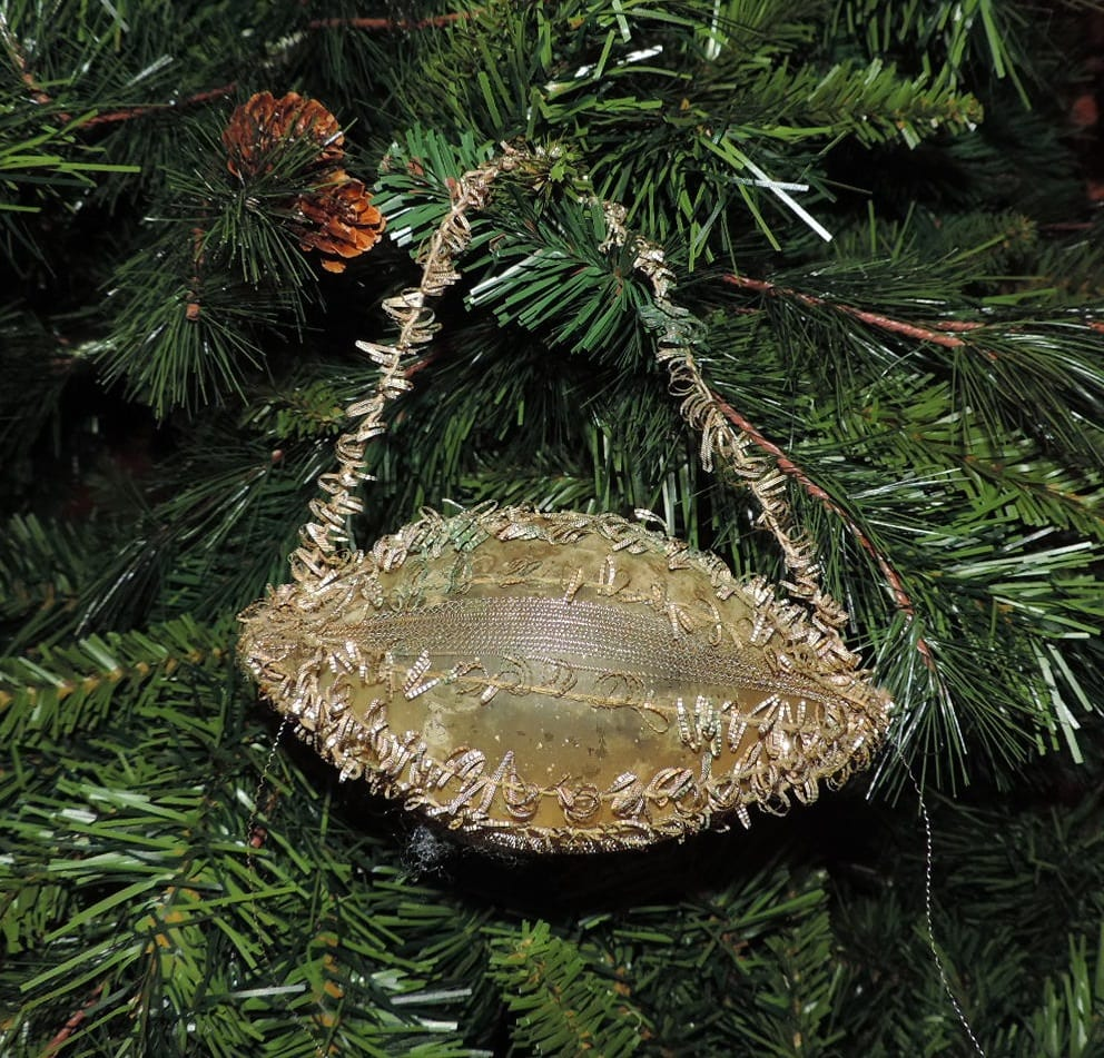 Lots of interesting antique and vintage ornaments!