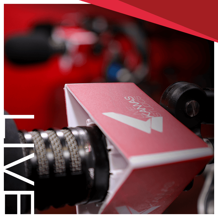 Microphone image with the word LIVE