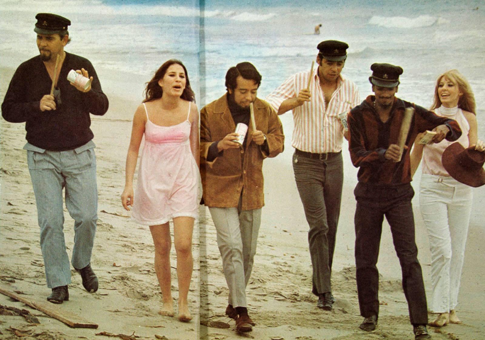 PHOTO 8 - Sergio Mendes & Brasil 66 - Beach