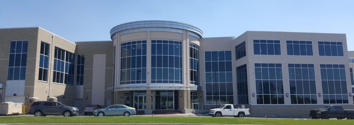 WORLD WIDE CENTER, BY CLARK BUILDERS - 89,000 SQ. FT. Qya