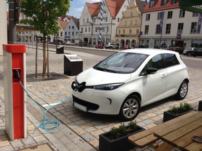 Renault Zoe became the most popular electric car in Europe (video)