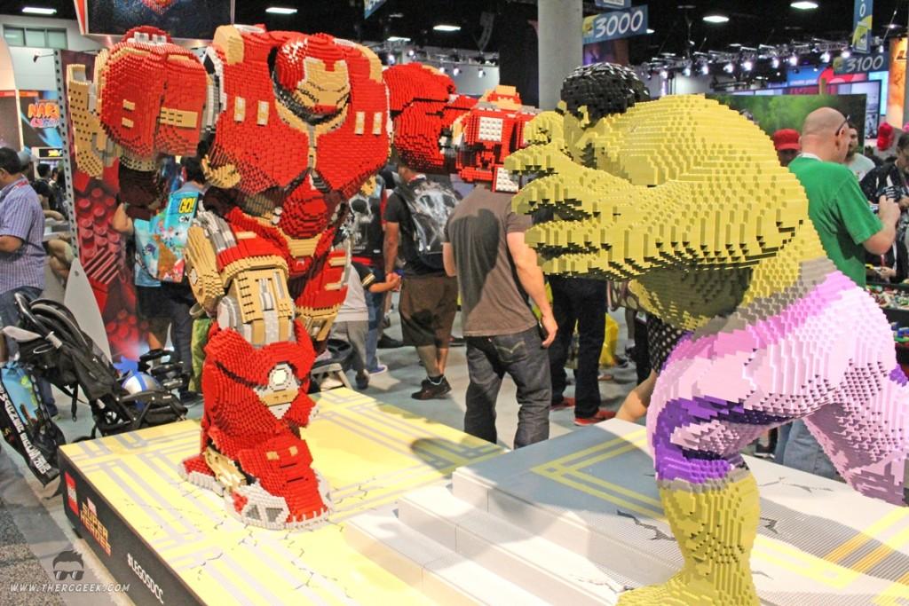comic-con Lego Hulk Buster