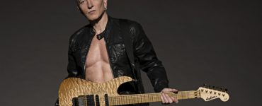 Phil Collen photo Ross Halfin cropped