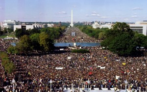 """Thousands of participants in the """"Million Man March"""" gather on the Mall October 16. The Washington Monument is in the background. The rally is intended as a day for black men to unite and pledge self-reliance and reaffirm their commitment to their families - RTXFOIQ"""