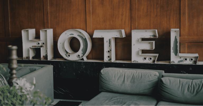 Letras de Hotel