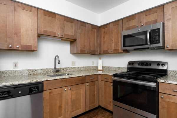 A marble kitchen counter top at Chesterfield Village Apartments