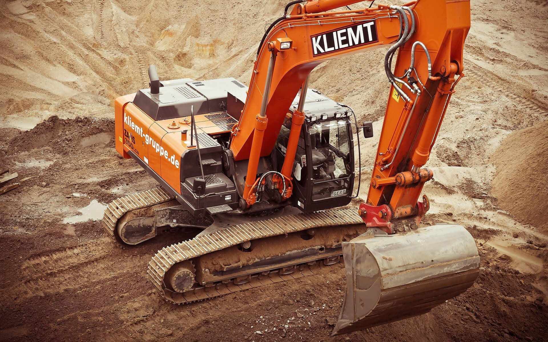 Equipment Leasing: A Simple Guide for Business Owners