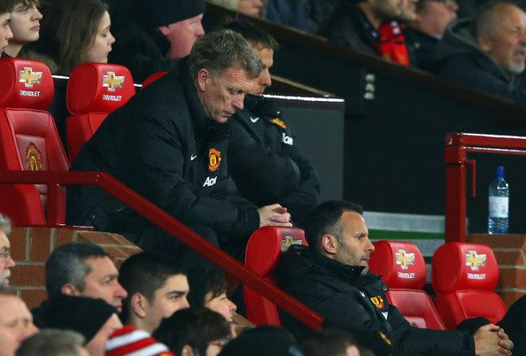 Manchester United fans turn on Moyes, Sir Alex after derby defeat