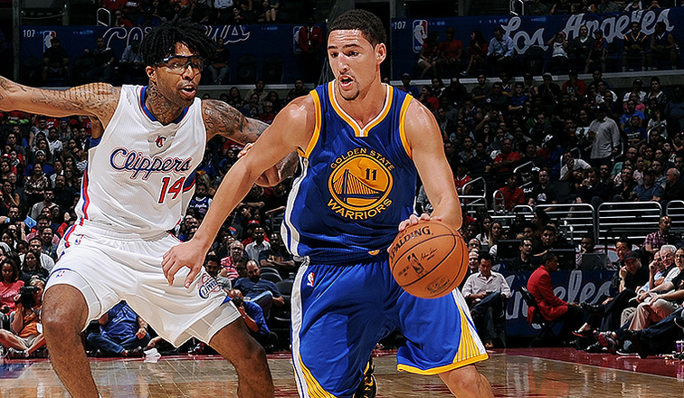 Thompson, Curry star in Warriors' preseason win over Lakers