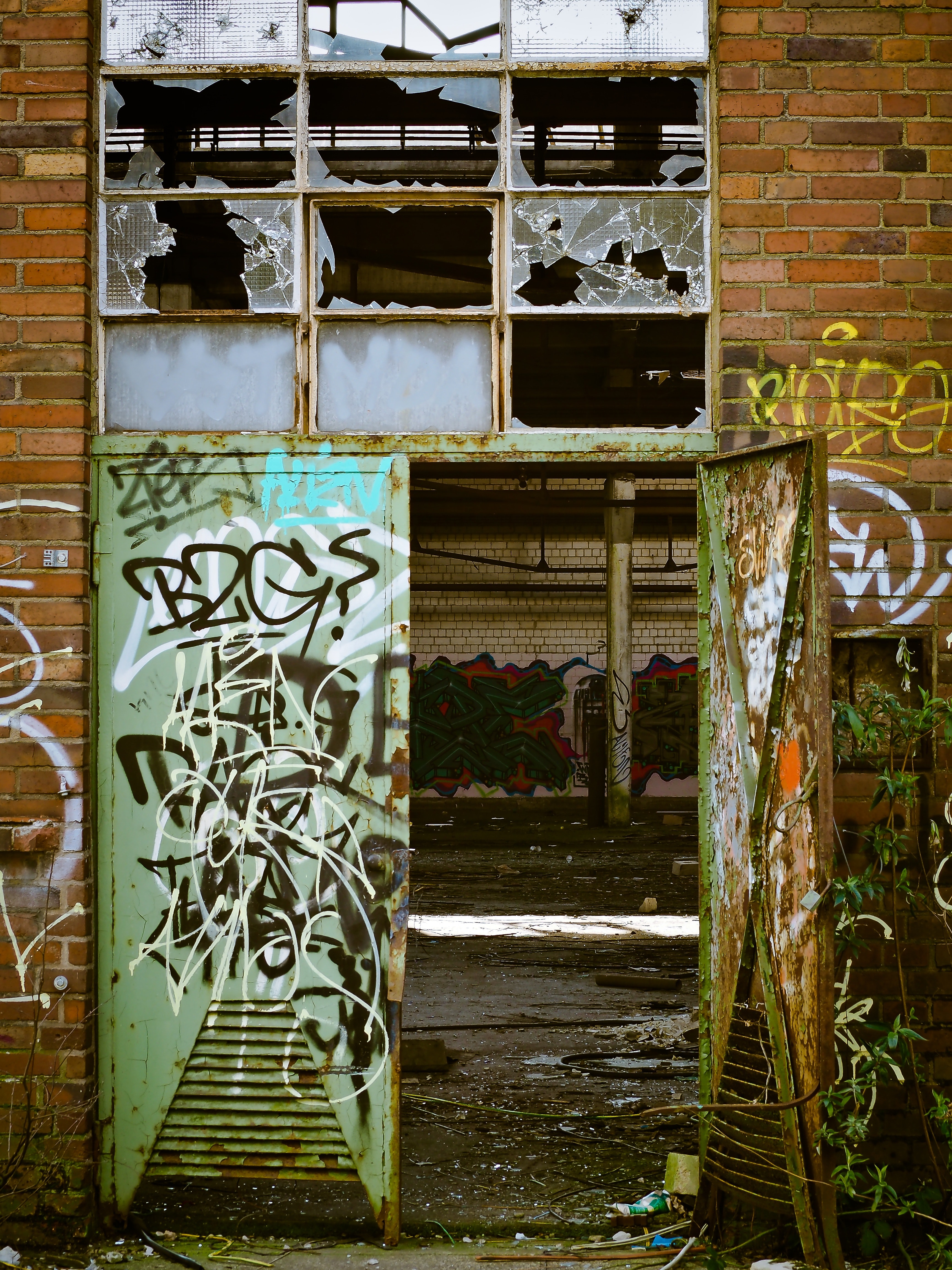 vandalism-crop-for-broken-windows-header