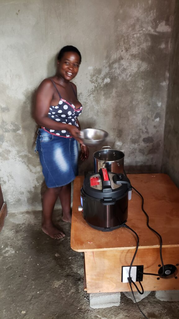 SunSpot cooking with Induction Stove - Haiti 2020