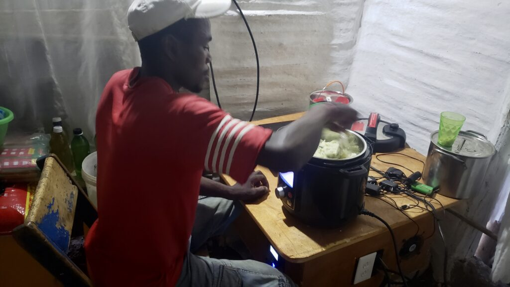 SunSpot cooking with InstantPot - Haiti 2020