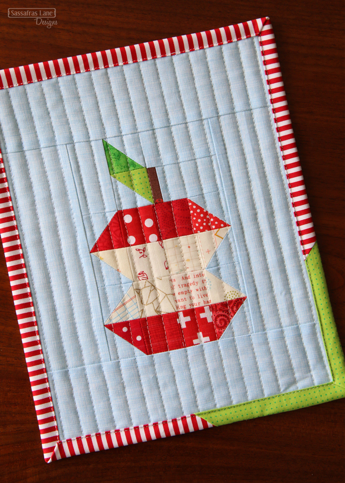 Apple picking mini quilt sewing pattern