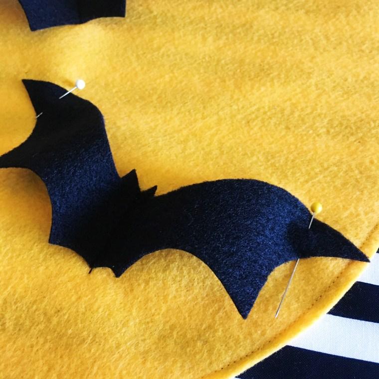 Felt bat applique pillow tutorial