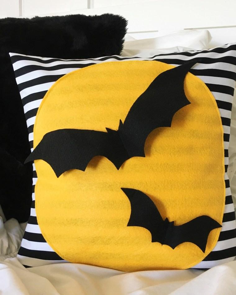 DIY Bat Pillow Halloween Decor