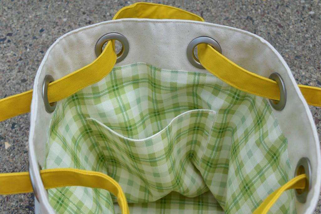 Bucket Bag Tutorial with pockets
